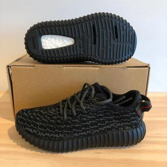 Adidas Yeezy Boost 350 Pirate Black Infant 9K DS Carlton Melbourne City Preview