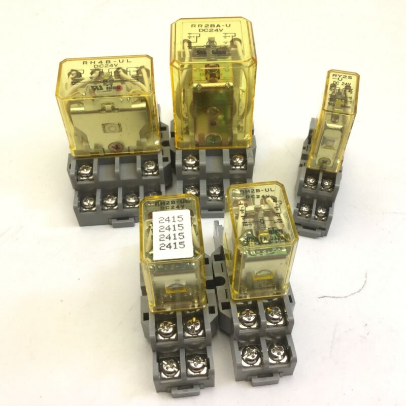 Lot of 5 IDEC Miscellaneous Power Relays, Coil: 24VDC, With Bases, 8 Pin, 24VDC