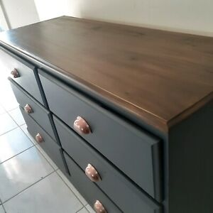 Lowboy with removable mirror