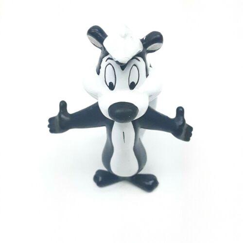 Vintage Pepe Le Pew ARMS OPEN WIDE  PVC Figure (Looney Tunes, Warner BROS, 1994)