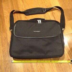 Kensington laptop computer bag with strap like new condition
