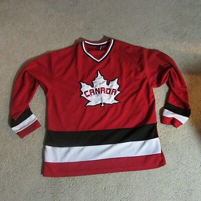 Red Canada Small Teepee Hockey Jersey (Fits Like Adult Lg w/out Hockey Pads)