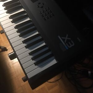 Korg X3 Synthesizer