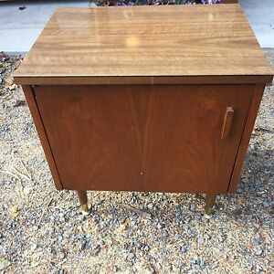 Nightstand/ End table