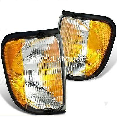 SKYLINE WALKABOUT PAIR CORNER TURN SIGNAL LIGHTS LAMP RV