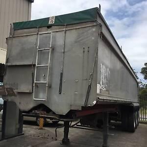 H.B.T Tri-axle Semi Tipper/Tipping Trailer. Tarp,grain shute Inverell Inverell Area Preview