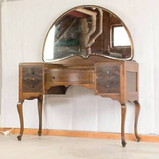 ***VERY RARE*** BELL BROTHERS Antique Dressing Table