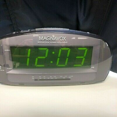 Magnavox MCR140/17 Dual Alarm Clock Radio AM FM Large Numbers Big Display 2006