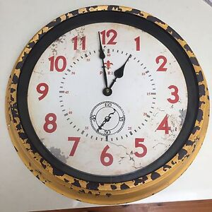 Bed bath and Table clock Mosman Mosman Area Preview