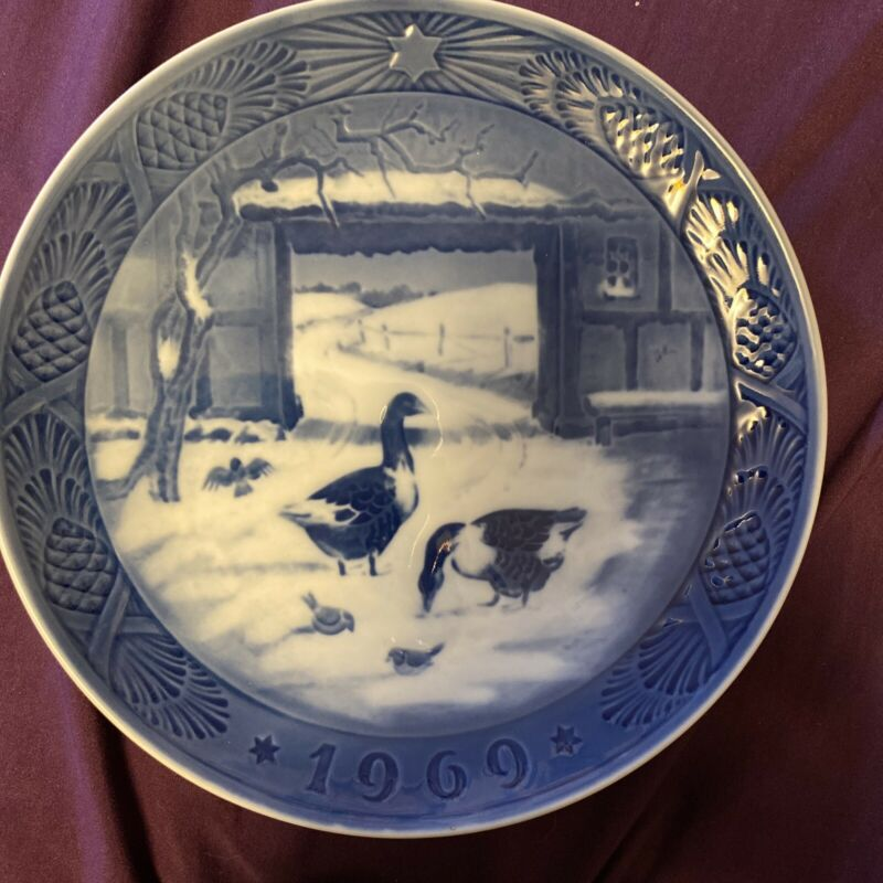VintageRoyal Copenhagen Kai Lange In The Old Farmyard Plate 1969 Blue And White