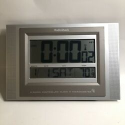 RadioShack Radio Controlled Atomic Wall Clock Thermometer 63-1438 Silver