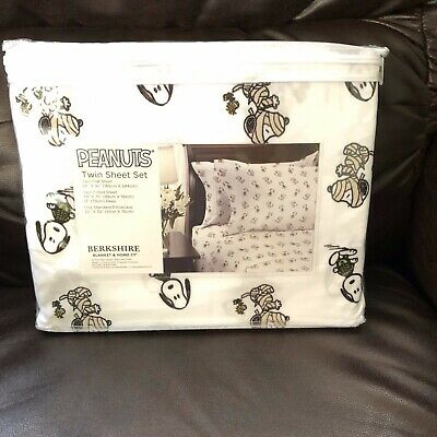 Halloween Bed Sheets (New Peanuts Twin Bed SNOOPY Sheets Mummy Skeleton Halloween Berkshire)