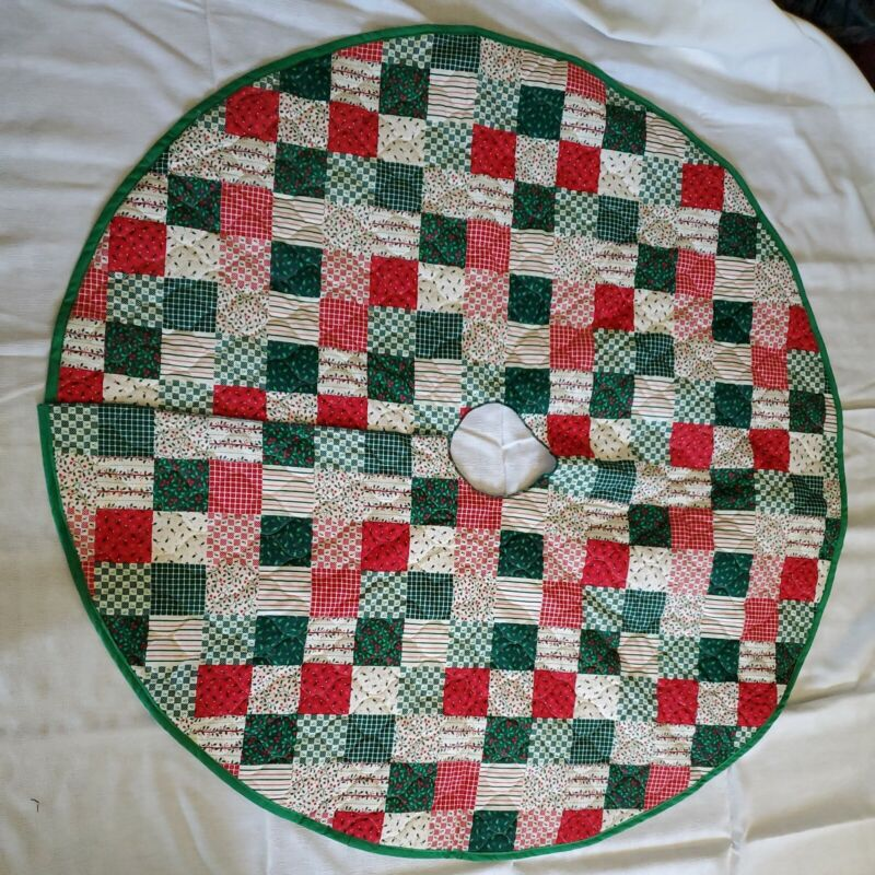 QUILTED CHRISTMAS TREE SKIRT RED AND GREEN PATCHWORK HANDMADE 40 INCHES