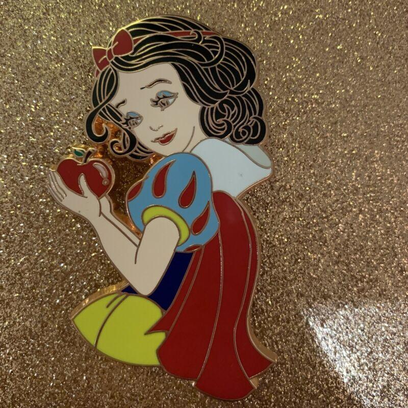 Snow White LE Fantasy Pin Disney Seven Dwarfs