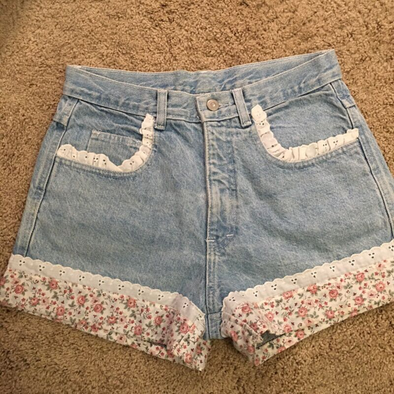 Vintage High Waisted Floral Lace Denim Shorts Maximum Energy Small/Medium