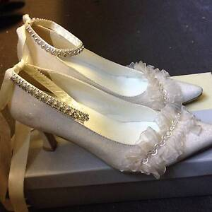 Sparkly Ivory Wedding shoes Size 7 Morningside Brisbane South East Preview