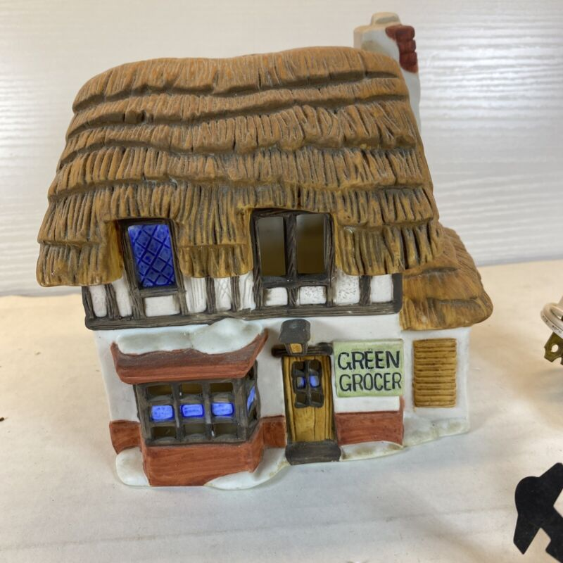 Department 56 Shops of Dickens Village Green Grocer 1984 With Dmg Box