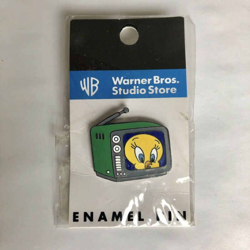 Vintage Warner Bros. Tweety in TV Collector Trading Pin 1999 Looney Tunes