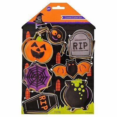 Wilton Halloween Cookie Cutter Set (New ! Wilton Halloween 7 Pieces Cookie Cutter Set )