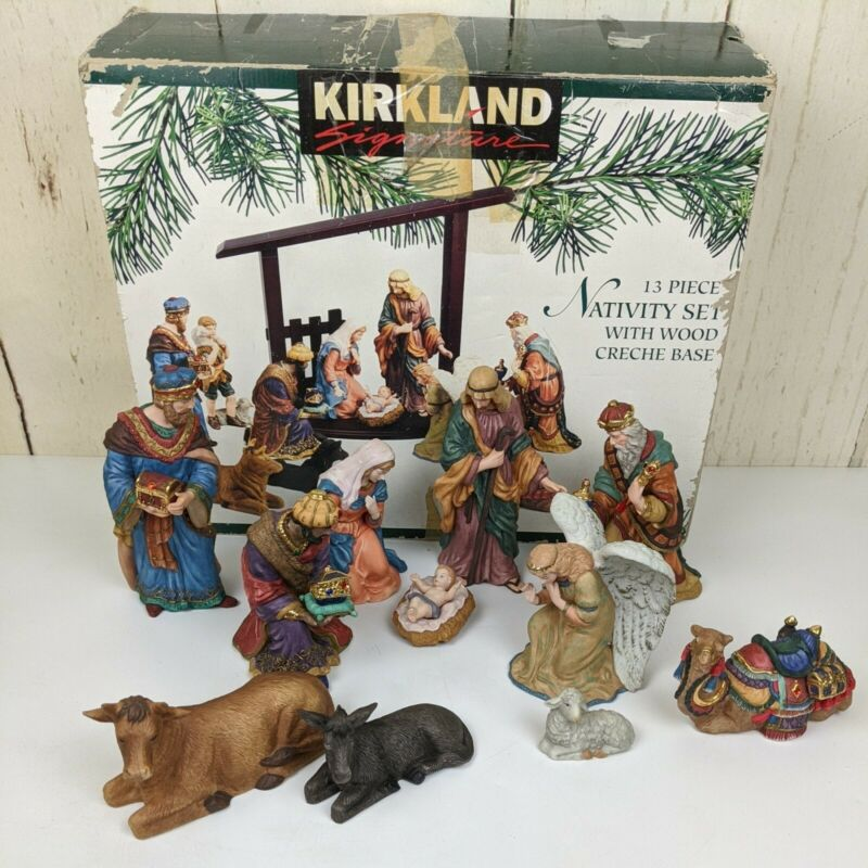Kirkland Signature 75177  Porcelain Nativity Set  Almost Complete  No Wood Base