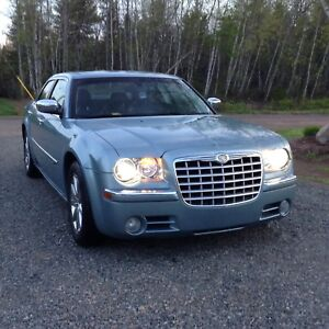 2009 Chrysler 300C in excellent condition - for sale or trade