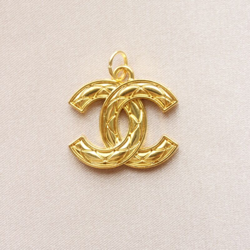 Chanel Zipper Pull Button Pendant, 21x26mm, Gold, Quilted, Stamped