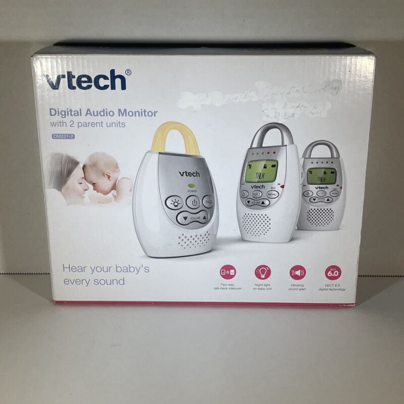 VTECH(R) DM221-2 VTech Safe&Sound Digital Audio Baby Monitor with 2 Parent Units