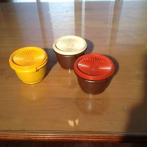 Vintage and newer tupperware pieces Kitchener / Waterloo Kitchener Area image 2