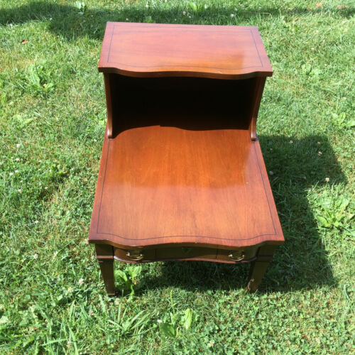 Vintage Imperial since 1903 Grand Rapids furniture wood end table small casters