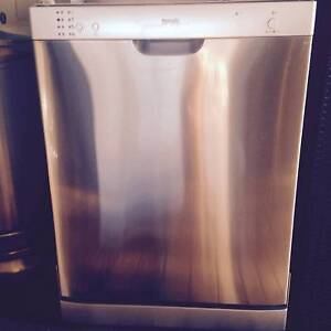 BAUMATIC BDW60S DISHWASHER MODEL WQP12-9260B Moorebank Liverpool Area Preview