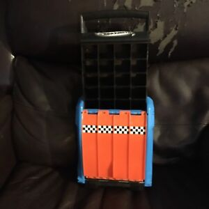 Hot wheels carrying case with slide