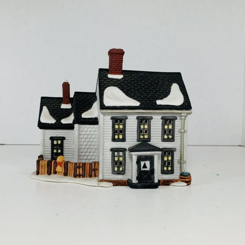 Dept 56 New England Village Series Jannes Mullet Amish Farm House - Christmas