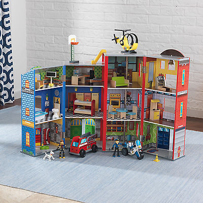 Kidkraft Everyday Heroes wooden Play set, Fire Engine Police Station