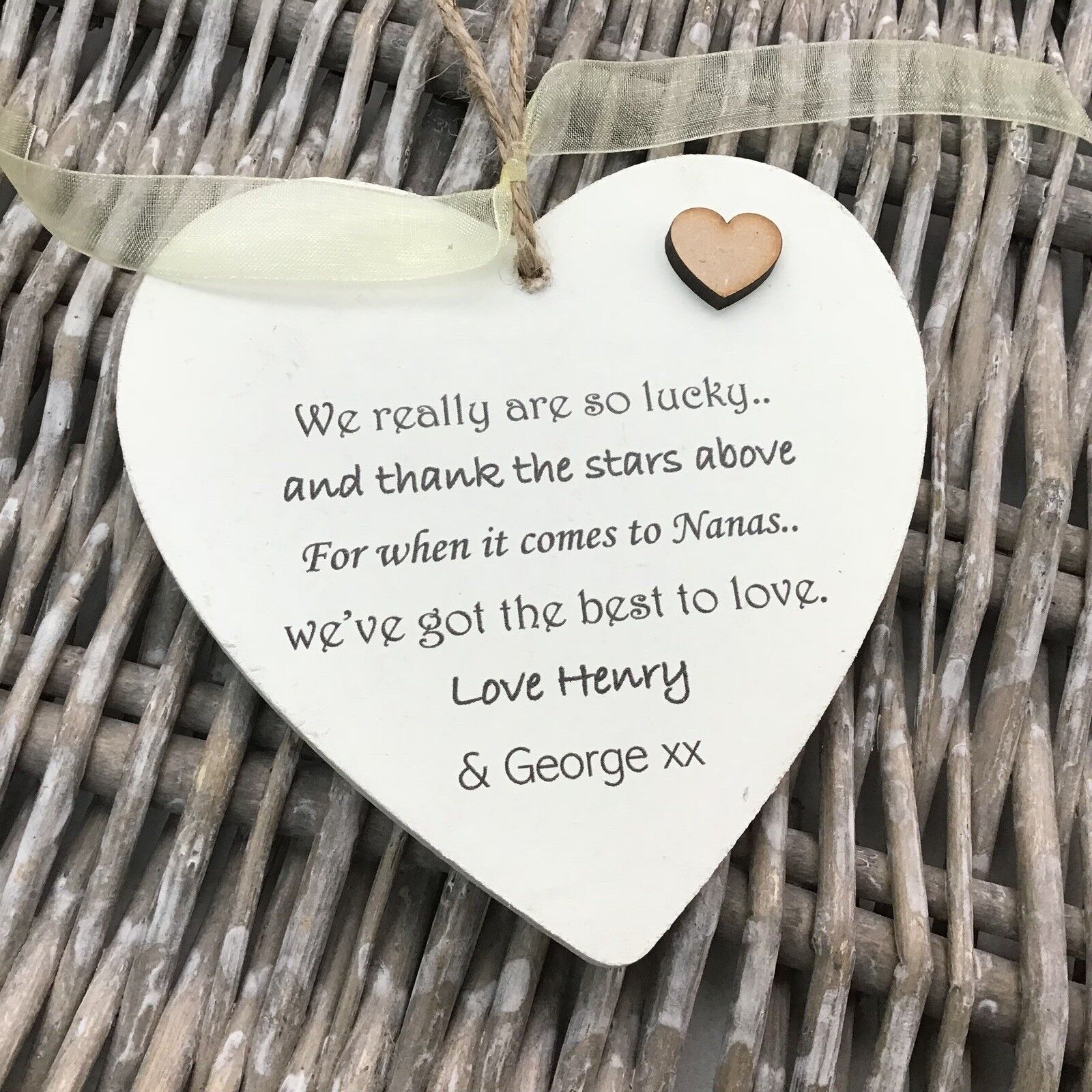 Shabby personalised Gift Chic Heart Plaque Special Nanny ~ Nana Or ANY NAME Gift - 253984910244