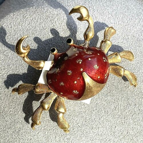 18K Yellow Gold Red Polychrome Enamel Textured Crab Cancer Brooch Pin Italy
