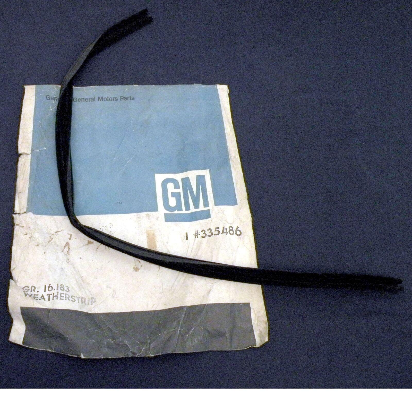 NOS 73-74 Chevy MEDIUM DUTY Truck Vent Window Weather Strip GM 335486