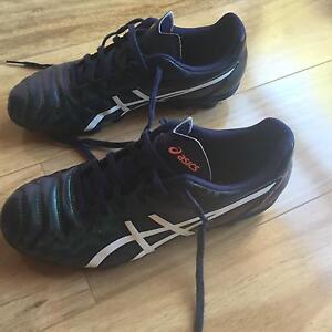 Asics boys football boots Moonta Copper Coast Preview