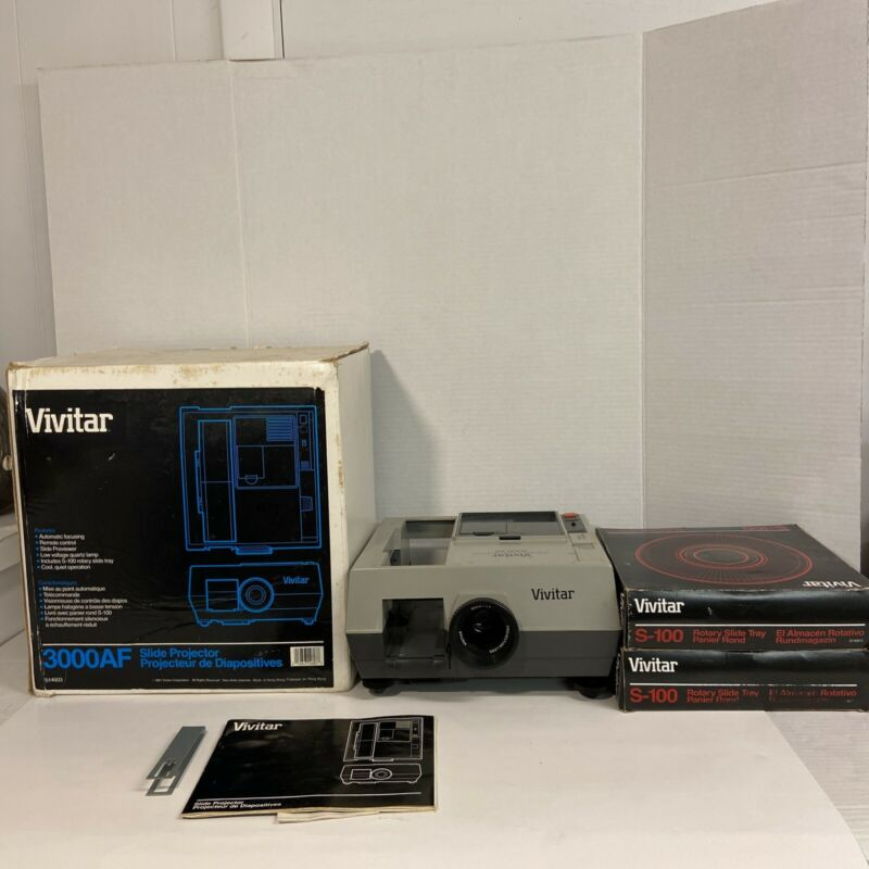 Vivitar 3000AF Slide Projector W/ Manual, Tongs, Remote and Tray in box