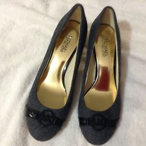 Michael kors shoes grey/ black hardly used, great condition