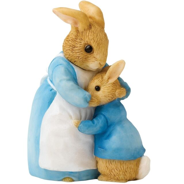 Beatrix Potter A26909 Mrs Rabbit and Peter Miniature Figurine