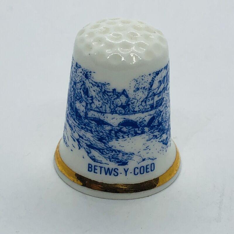 Vtg Betws-y-Coed British Fine Bone China Thimble w/ English Prayer House