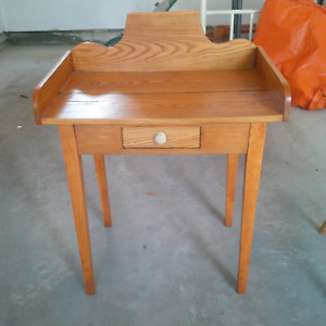 PINE DESK / TABLE - Great Condition