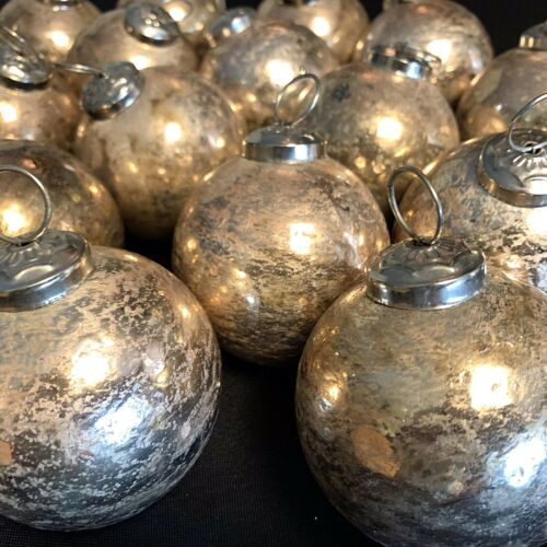 """Vintage Heavy Kugel Style Antique Gold 2.5"""" Ball Tree Ornaments 17 Unbranded"""