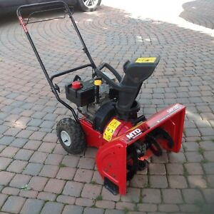 MTD  self propelled snowblower with 22 inches wide auger