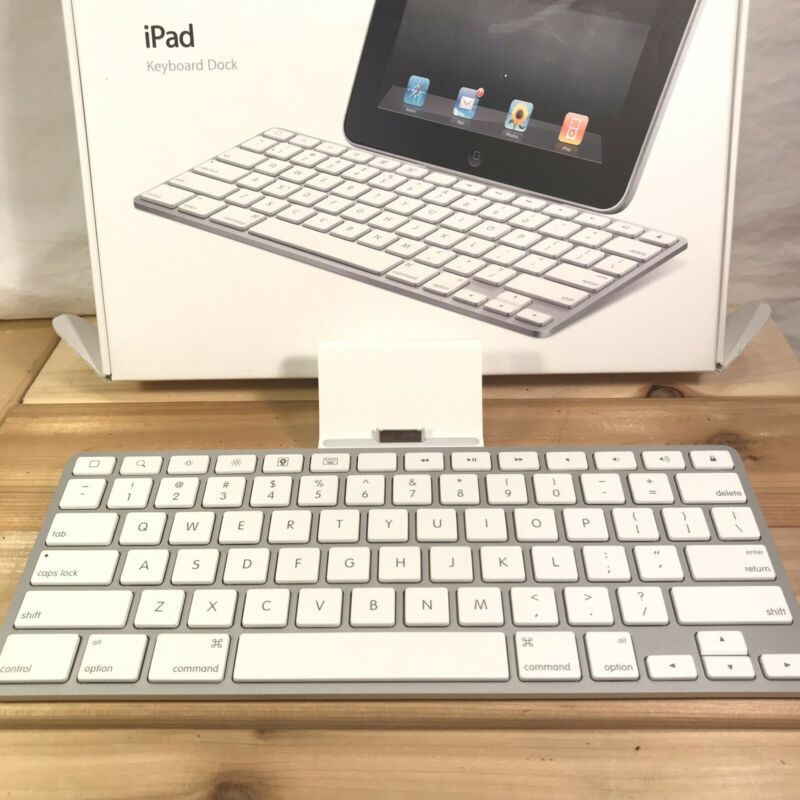 Apple iPad Keyboard/Dock Model A1359