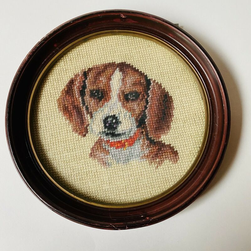 Vintage Beagle Dog Needlepoint Portrait Round Wood Framed Wall Hanging Art
