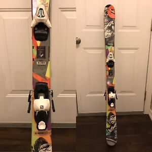 Boys Rossignol downhill skis with Solomon bindings