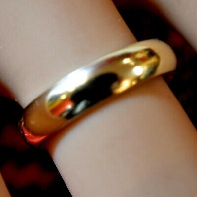 9 ct GOLD second hand plain band ring