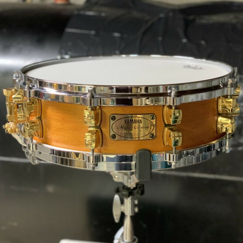 Yamaha Maple Custom 14x4 Snare Drum Vintage Natural, Gold Lugs, CLEAN