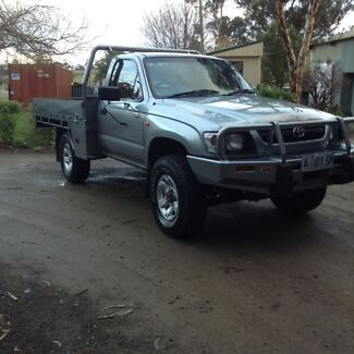 2004 Toyota Hilux 4x4 3 l turbo diesal flat tray ute Sorell Sorell Area Preview
